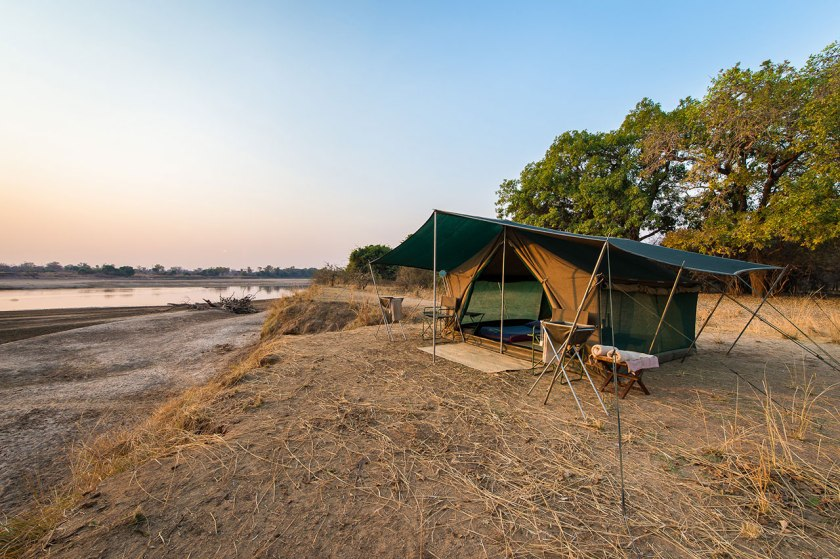 Luangwa River Bush Camp with Robin Pope Safaris.