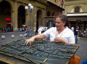 Walking tours of Florence with LivItaly - use bronze 3D map of Florence