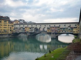 Ponte Vecchio bridge and the Arno River
