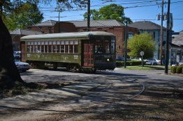 Streetcar makes the curve at the Riverbend.